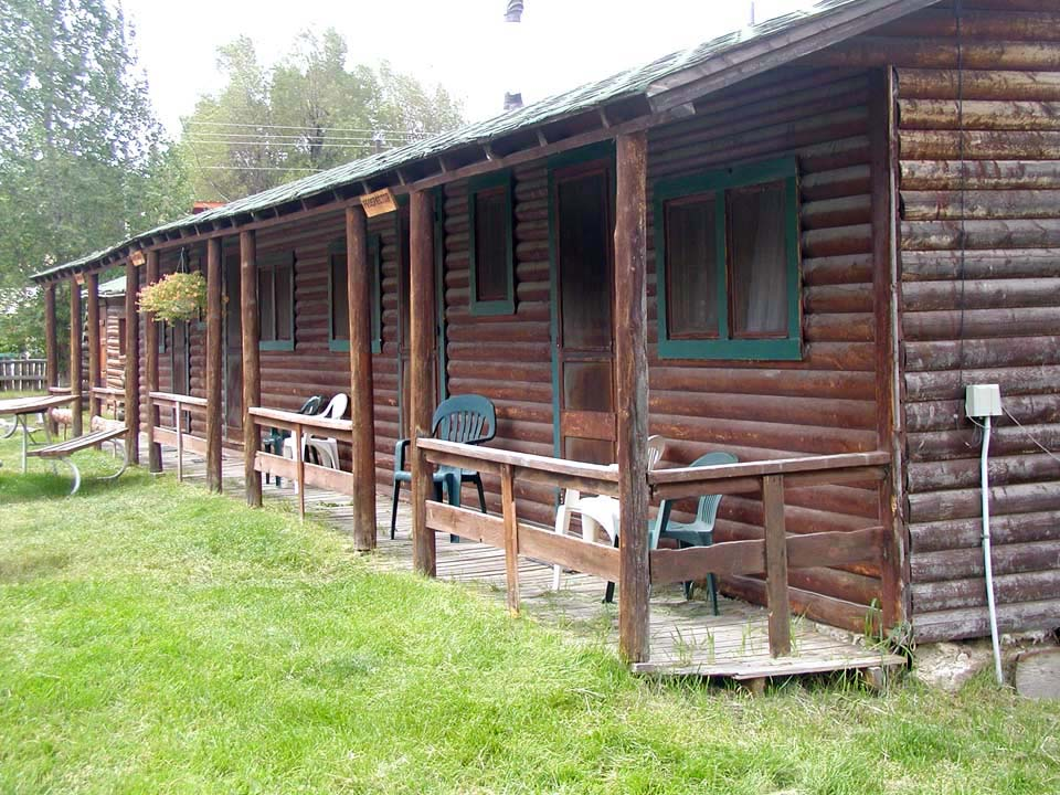 rentals photo cabins area cabin jackson hole wy for bed rental vacation in wyoming moran agreatertown